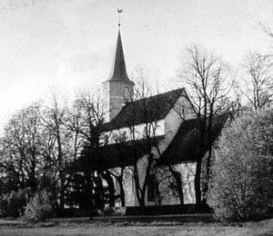 Baznīca ar koka torni, kas uzcelts 1820.gadā