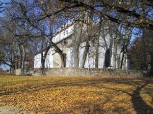 Baznīca no ārpuses un iekšpuses